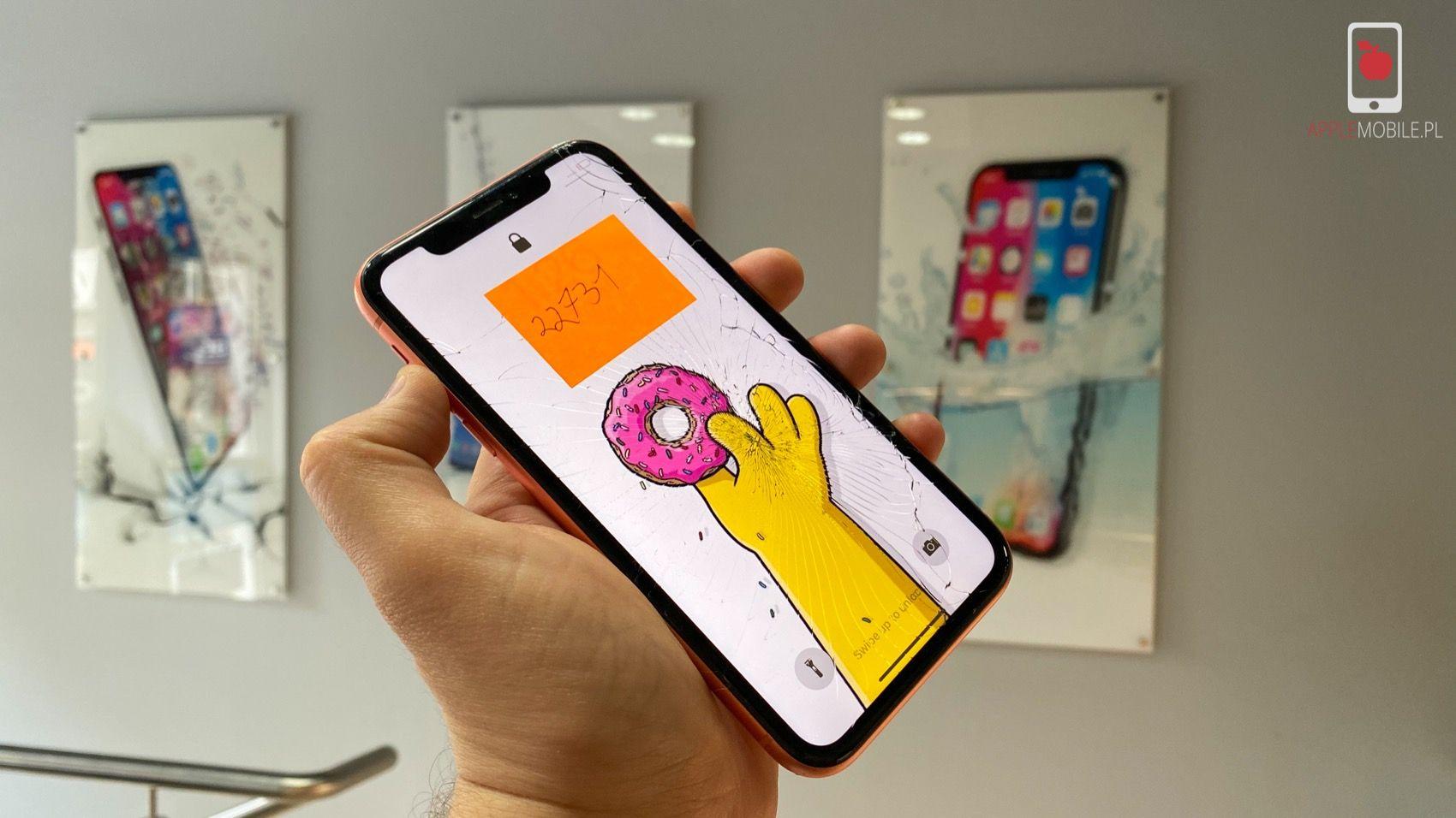 Oryginalny i zaprogramowany wyświetlacza dla iPhone Xr, który otrzymasz w serwisie APPLEMOBILE.PL gwarantuje poprawną pracę ALS oraz TrueTone.