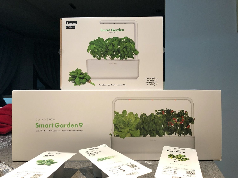 Recenzja Click and Grow Smart Garden, czyli jak sprawdziły sięinteligentne ogródki w praktyce?