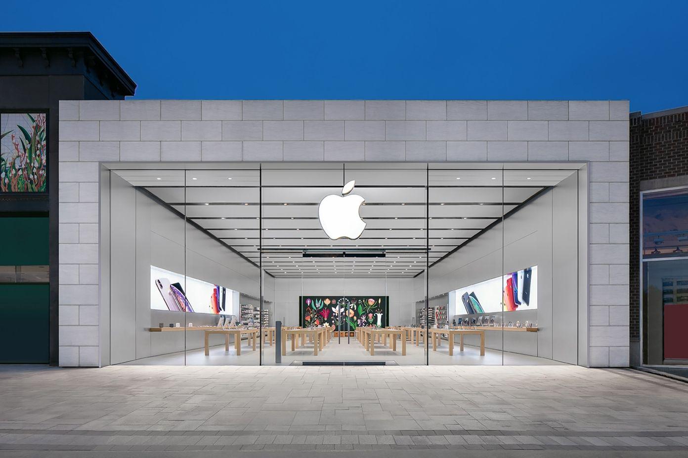 Apple zamyka kolejne sklepy po fali zarażeń COVID-19