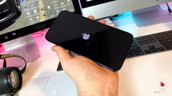 Recenzja nietłukącego się szkła CRONG Shock Proof NANO 7D dla iPhone 12 Pro Max