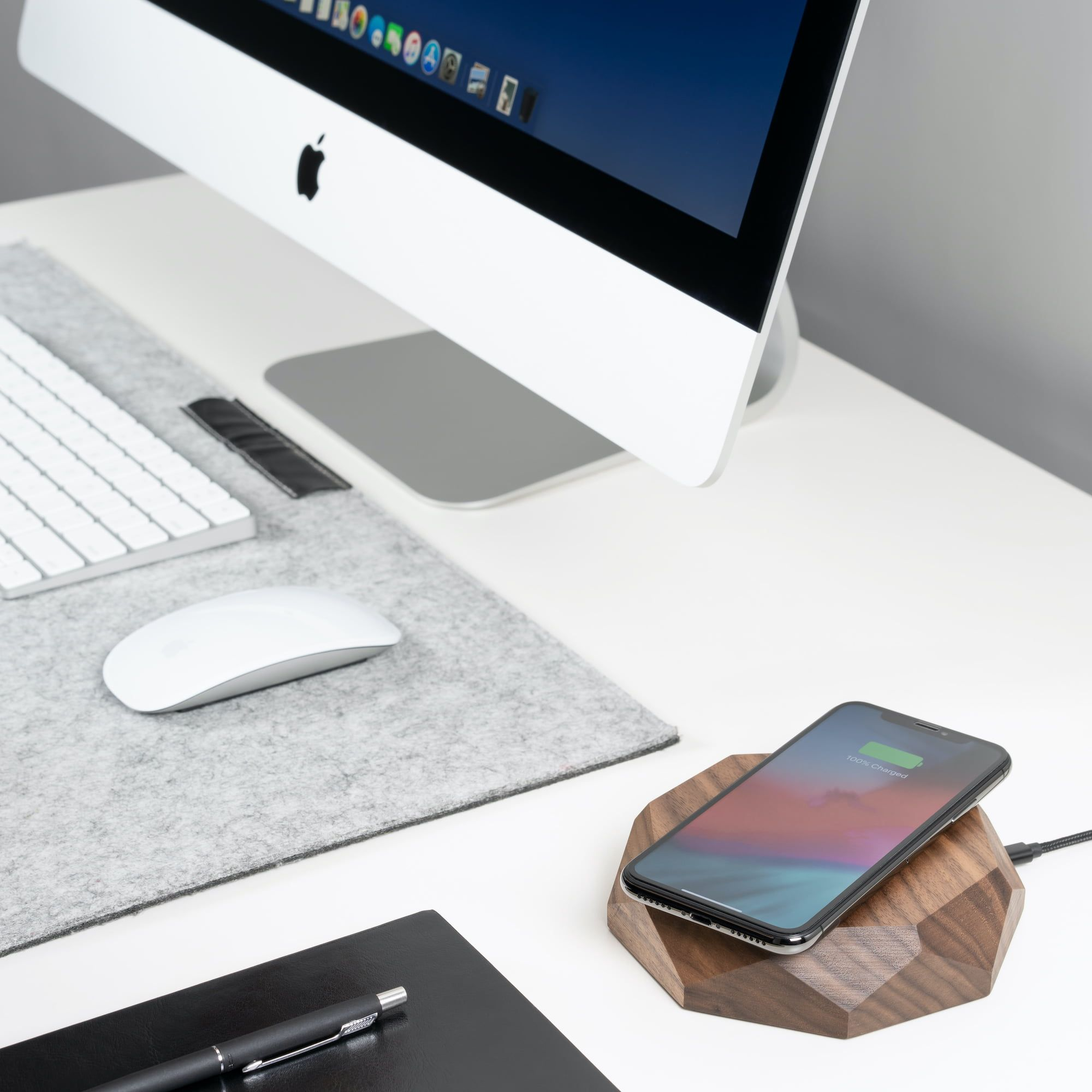 Ładowarka bezprzewodowa do iPhone'a: dlaczego warto ją mieć?