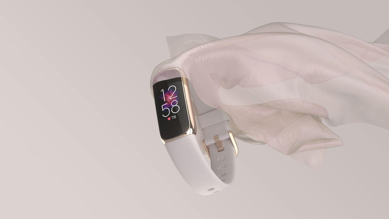 Fitbit Luxe, stylowy tracker fitness i dobrego samopoczucia, zaprojektowany tak, aby wspierać holistyczne podejście do zdrowia