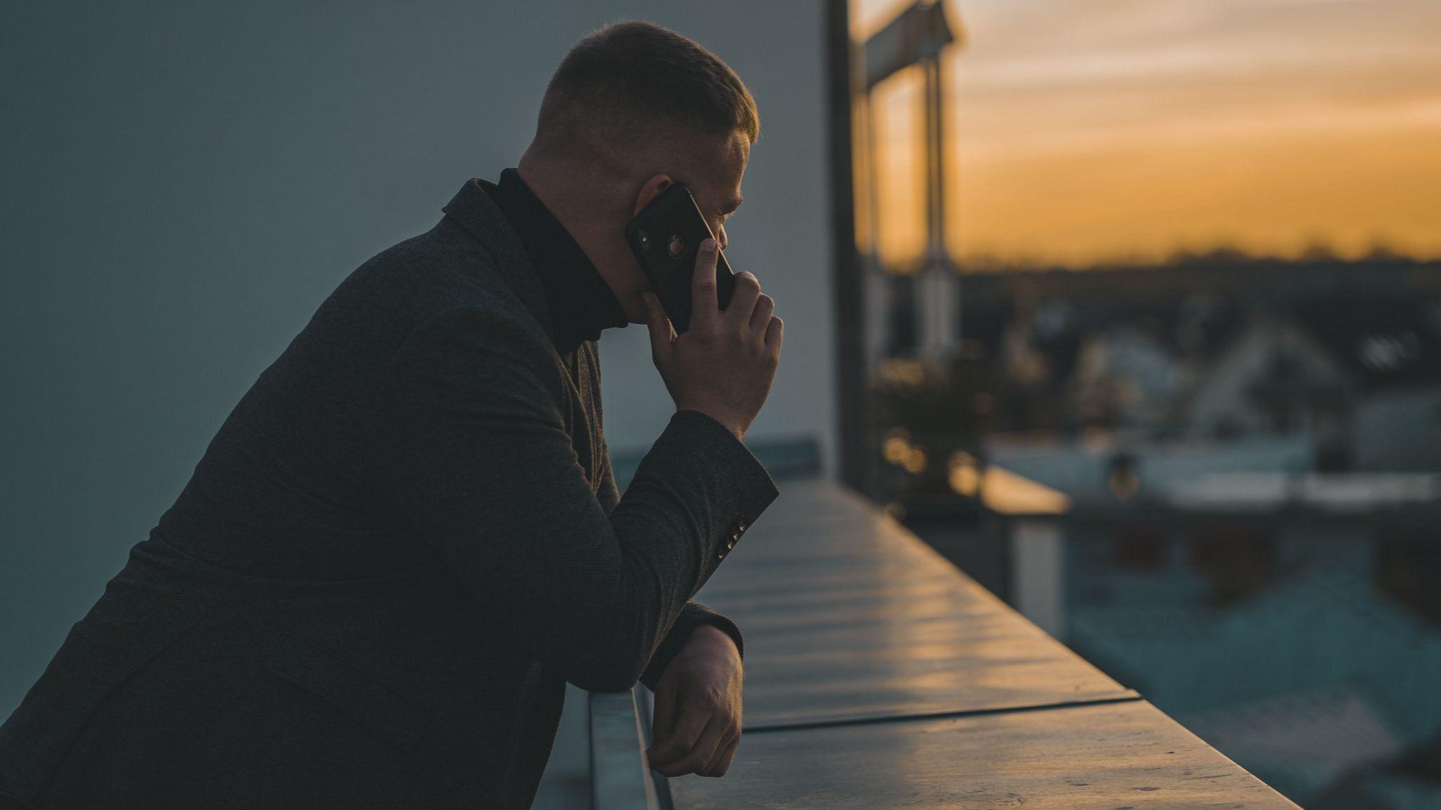 Komu opłaca się wybrać abonament z telefonem?