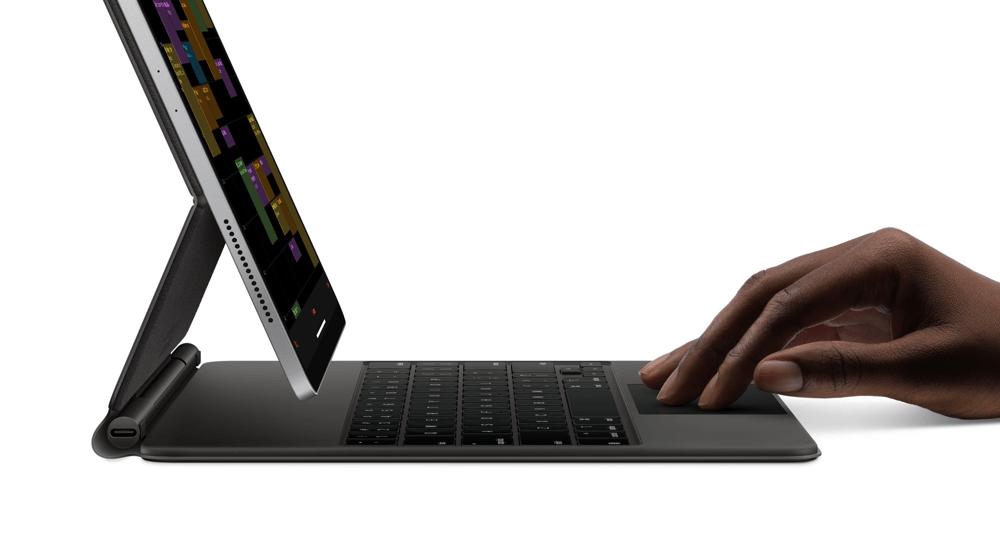 Nowy 12,9 calowy iPad Pro jednak współpracuje z klawiaturąMagic Keyboard poprzedniej generacji