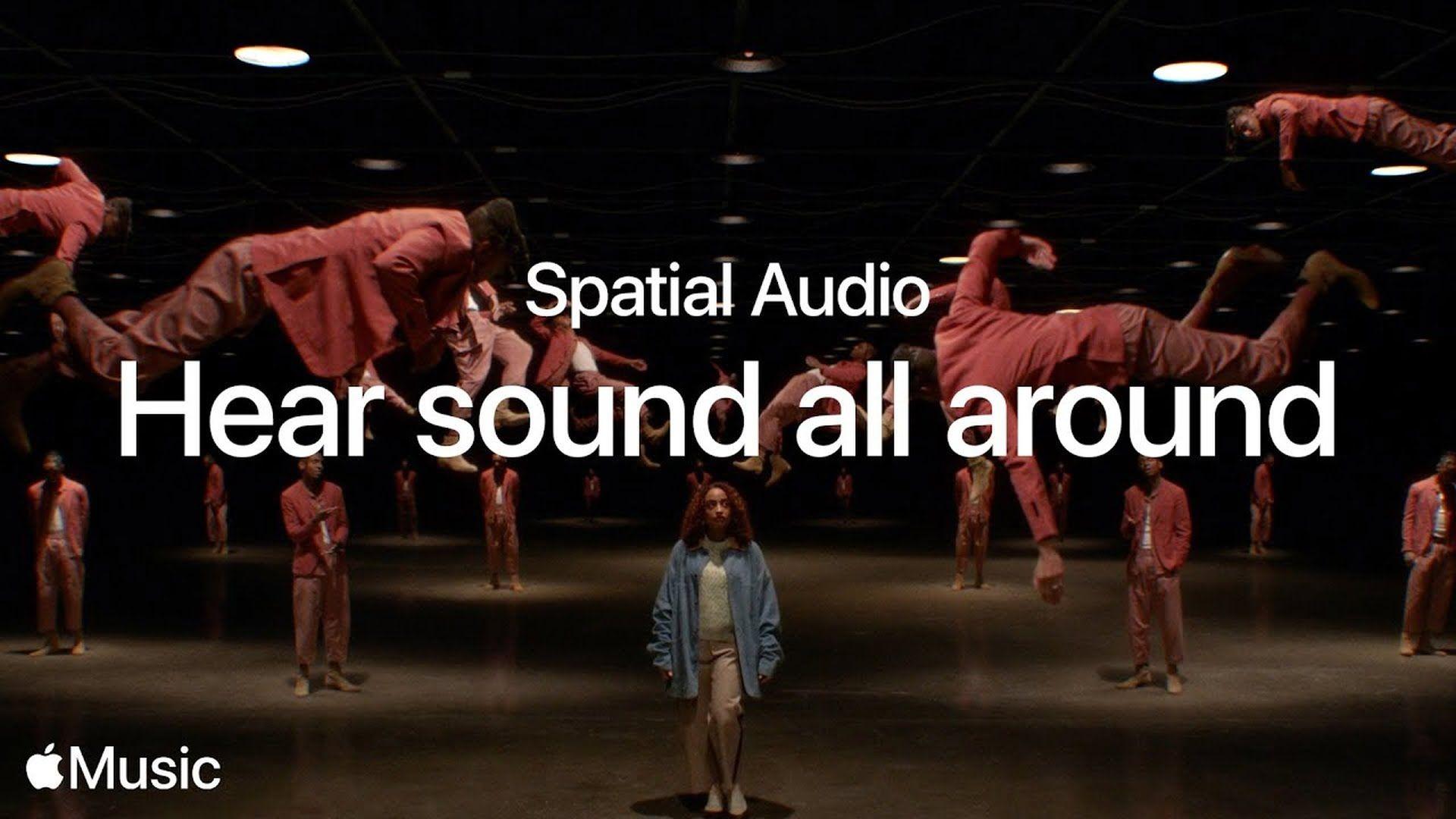 Reklama promująca dźwięk przestrzenny w serwisie Apple Music