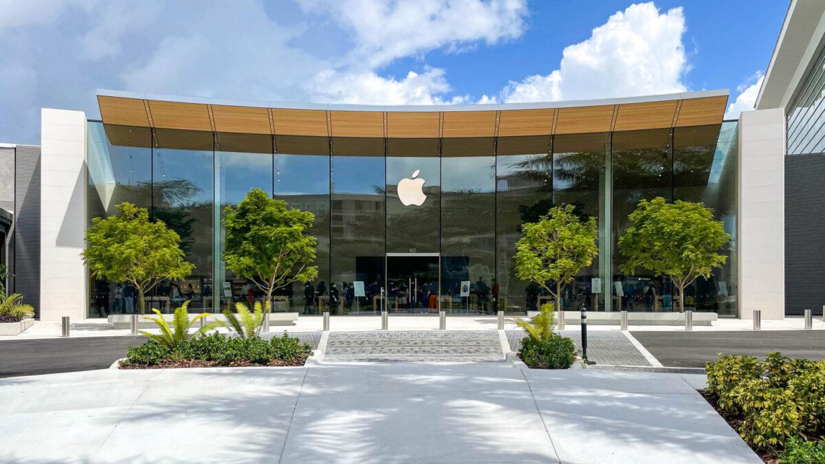 Całkowicie nowy Apple Dadeland. Przeprojektowany wystrój sklepów Apple Store!