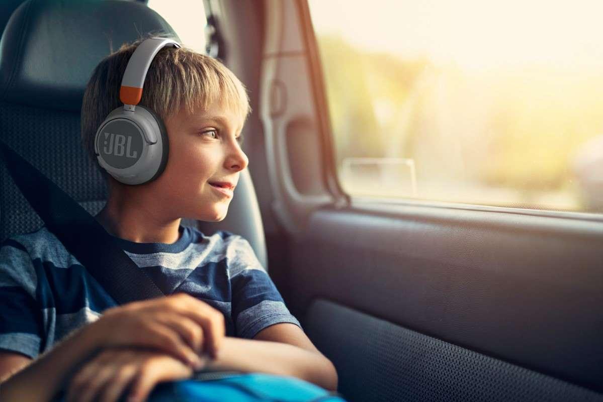 Do linii słuchawek JBL dedykowanych dzieciom dołącza właśnie nowy model – JBLJr460NC.